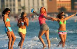 Spring Breakers HD (movie)  - Titulky